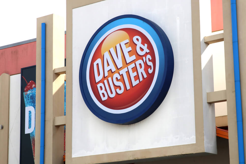 Whoe founded Dave and Buster's?